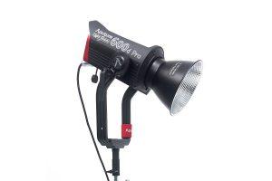 Aputure LS 600d Pro Light  פנס עצמתי עם תאורה רציפה בעל חיבור Bowens עם מגוון מרככי אור: דיש, סופטבוקס, אוקטוגיין 90, Lantern 90, תוספת עדשה לפנס APUTURE FRESNEL 2X, אוהל ריכוך Aputure Light Dome II