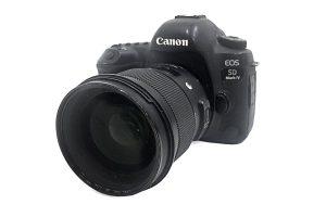 מצלמה Canon 5D Mark IV כולל עדשה Sigma Art 50mm f/1.4